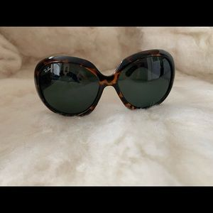 NWOT Ray Ban Jackie Oh sunglasses